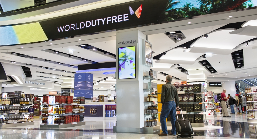 THINGS YOU NEED TO KNOW ABOUT SHOPPING IN AN AIRPORT