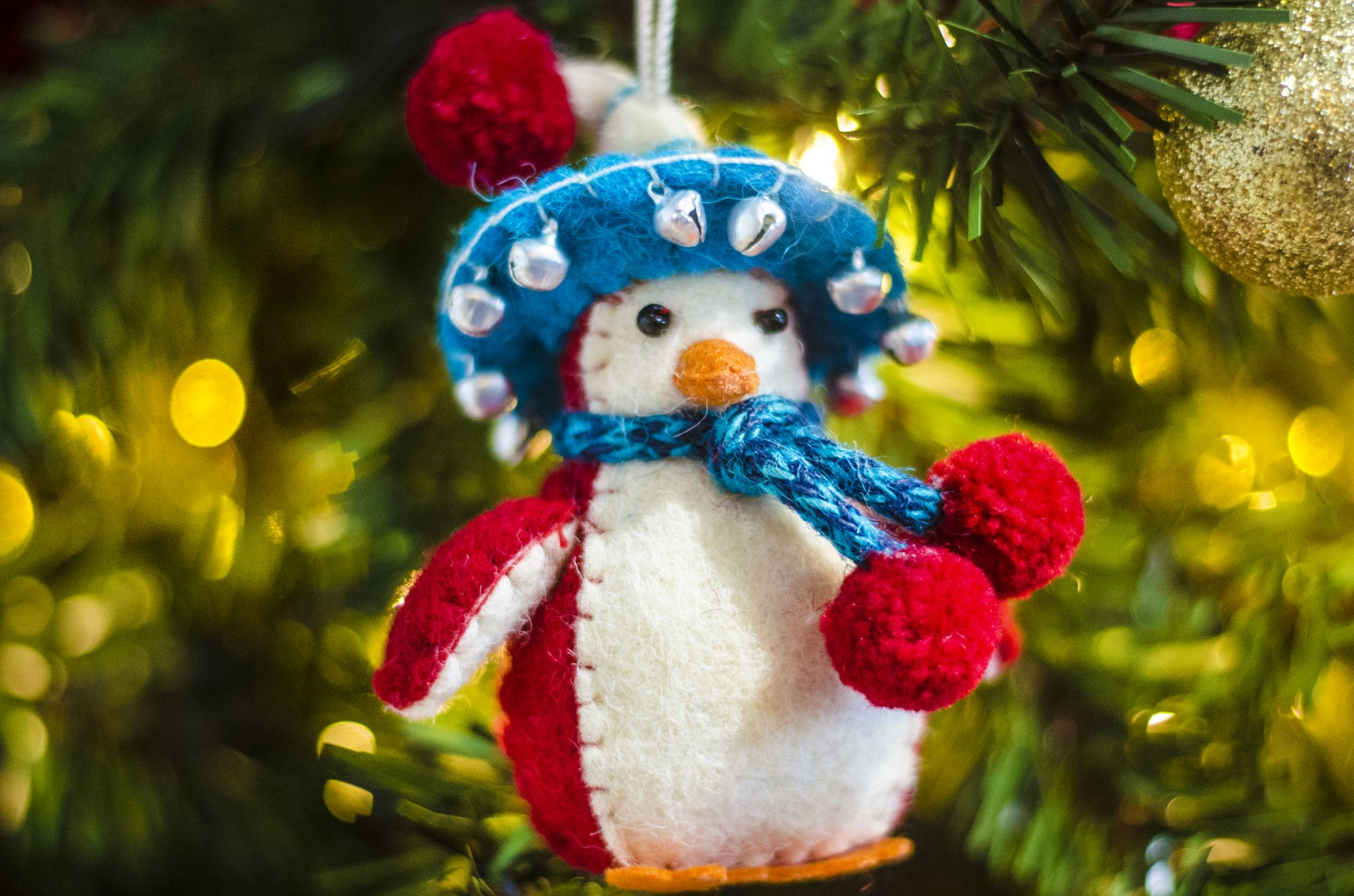penguin sombrero tree decoration for christmas