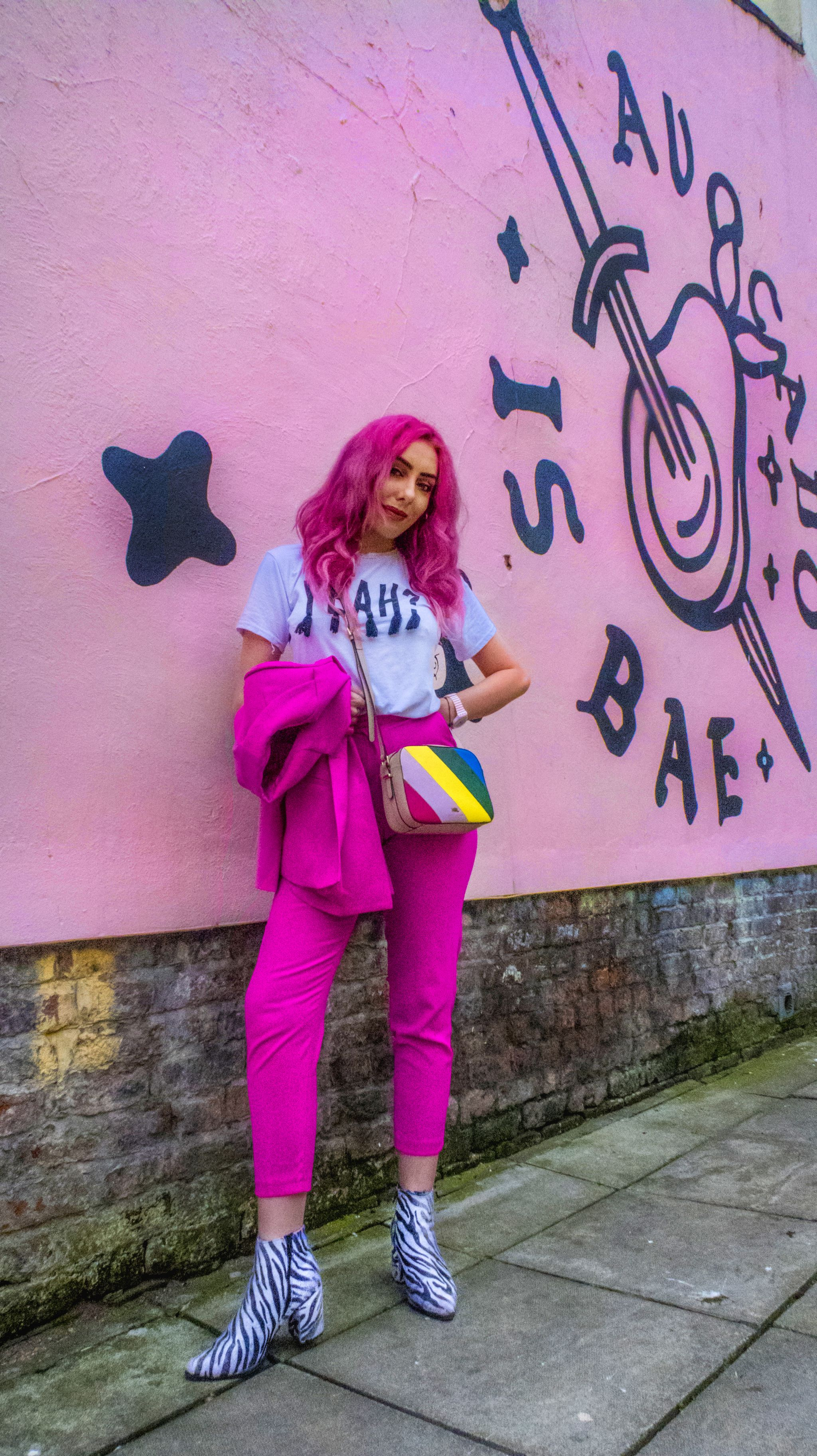 Liverpool Fashion Blogger Stephi LaReine in pink suit from Metquarter
