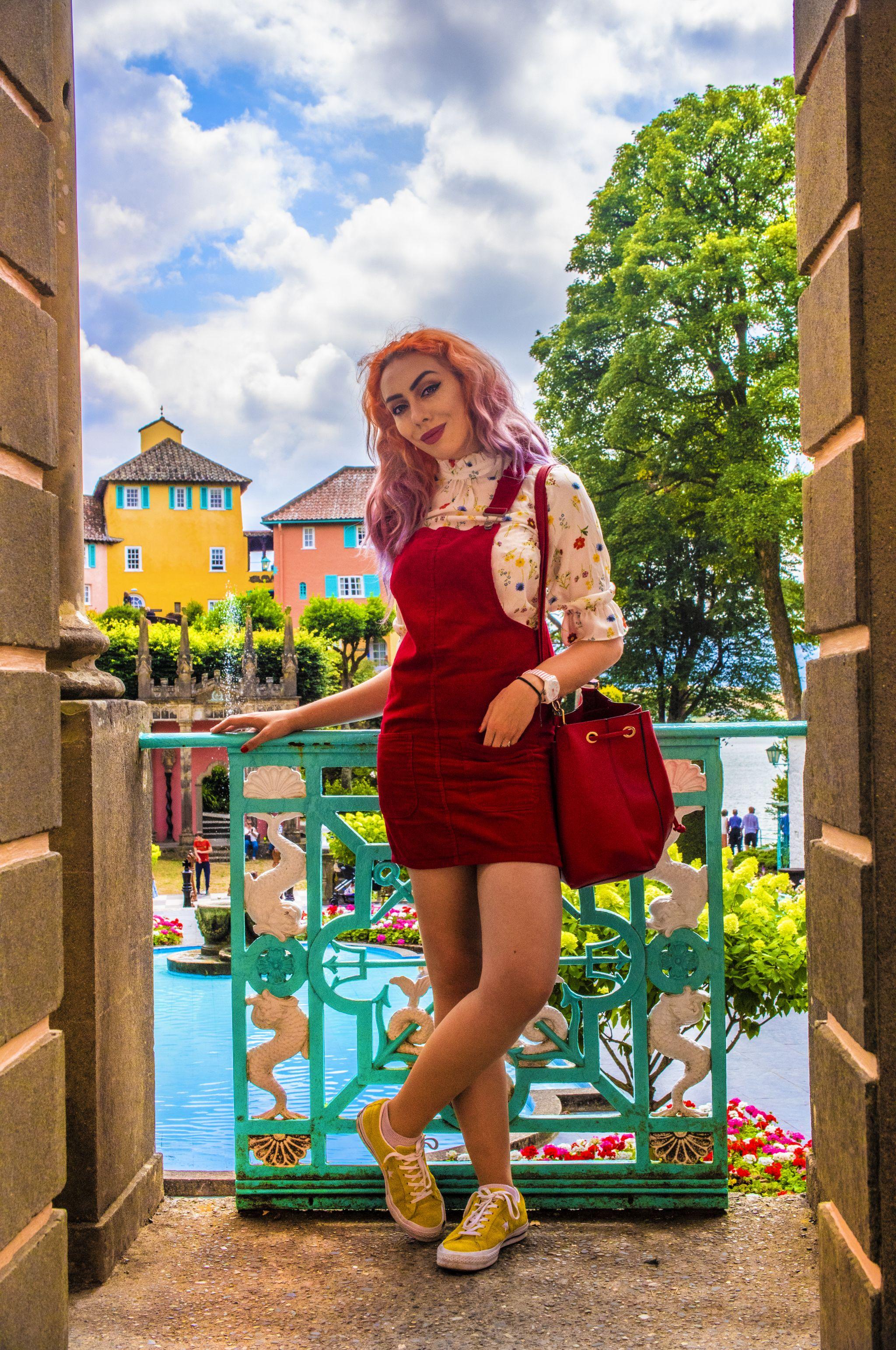 Stephi LaReine Yellow Hair Blogger