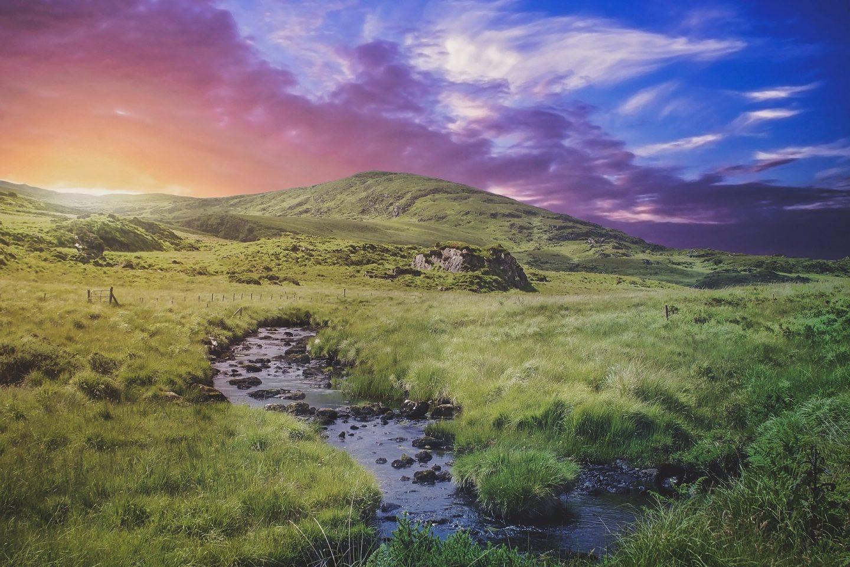5 BEST ROAD TRIPS AROUND IRELAND