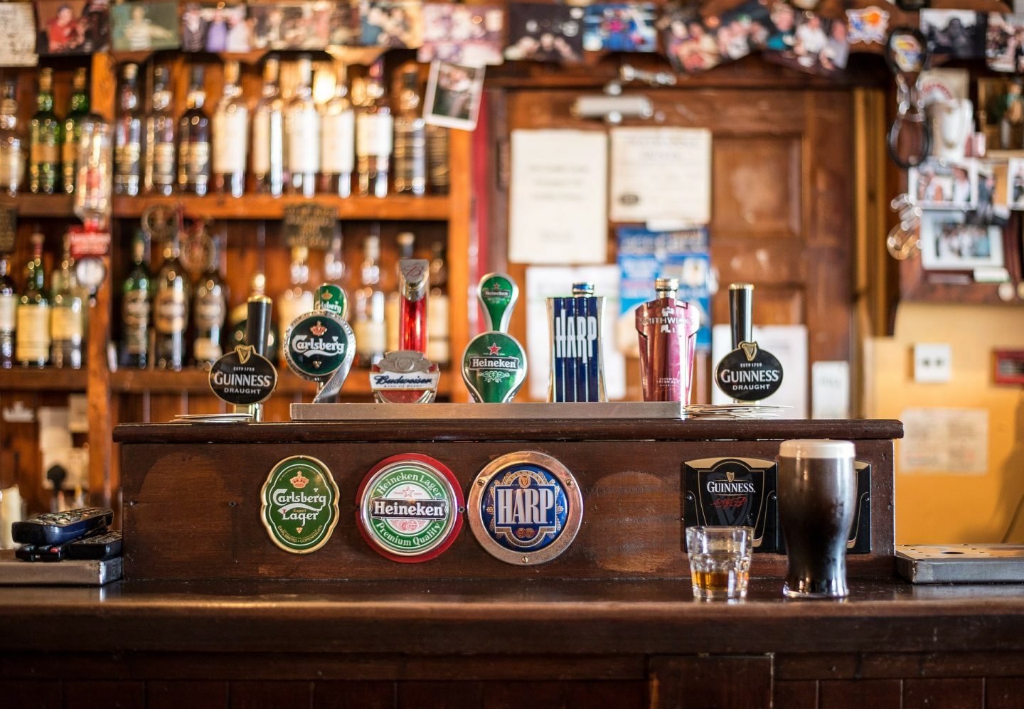 I RECOGNISE THIS BAR  – PUBS FROM FILMS AND TV SHOWS YOU CAN VISIT