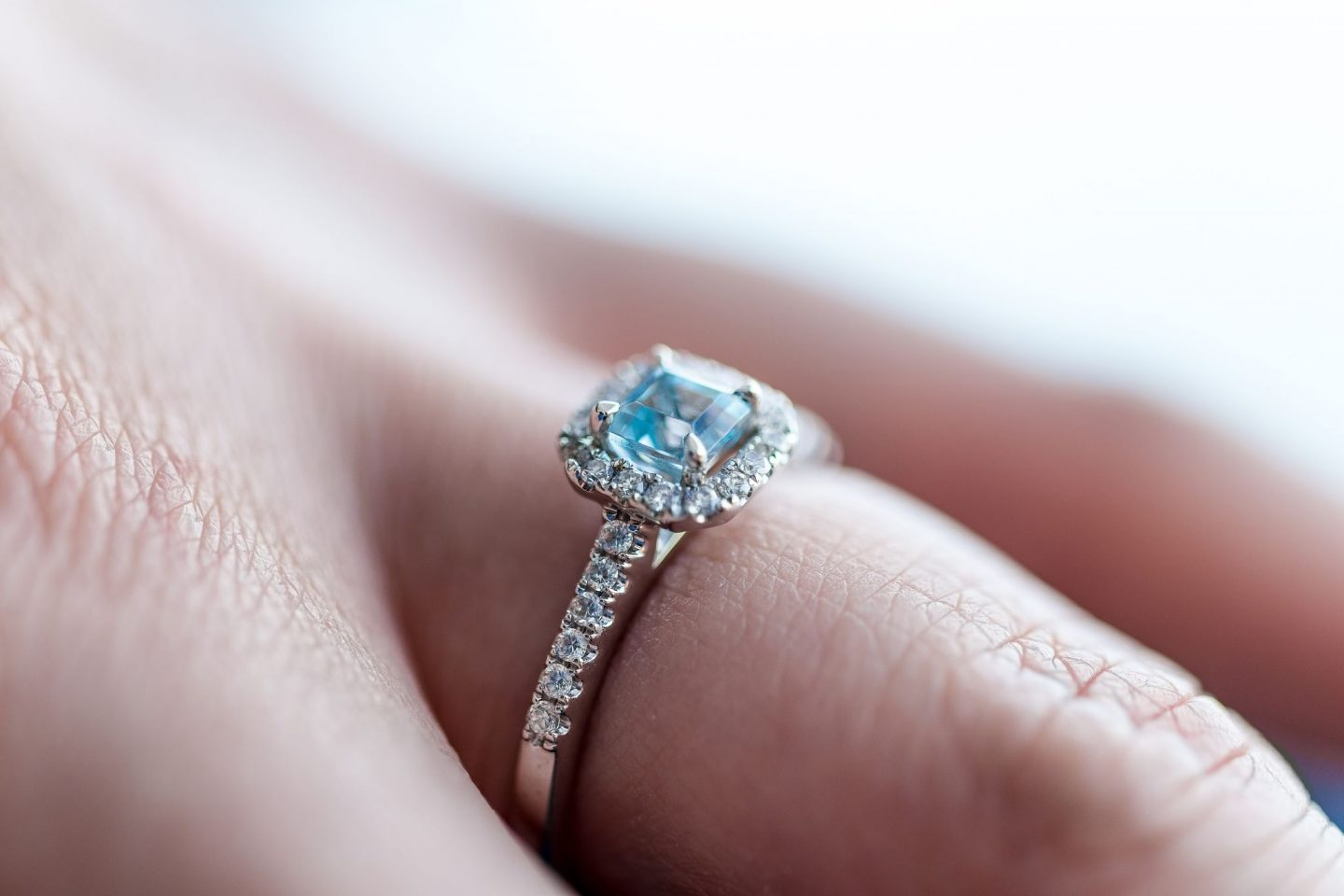 5 MYTHS AND MISCONCEPTIONS ABOUT LAB GROWN DIAMONDS: ARE THEY THE REAL DEAL?