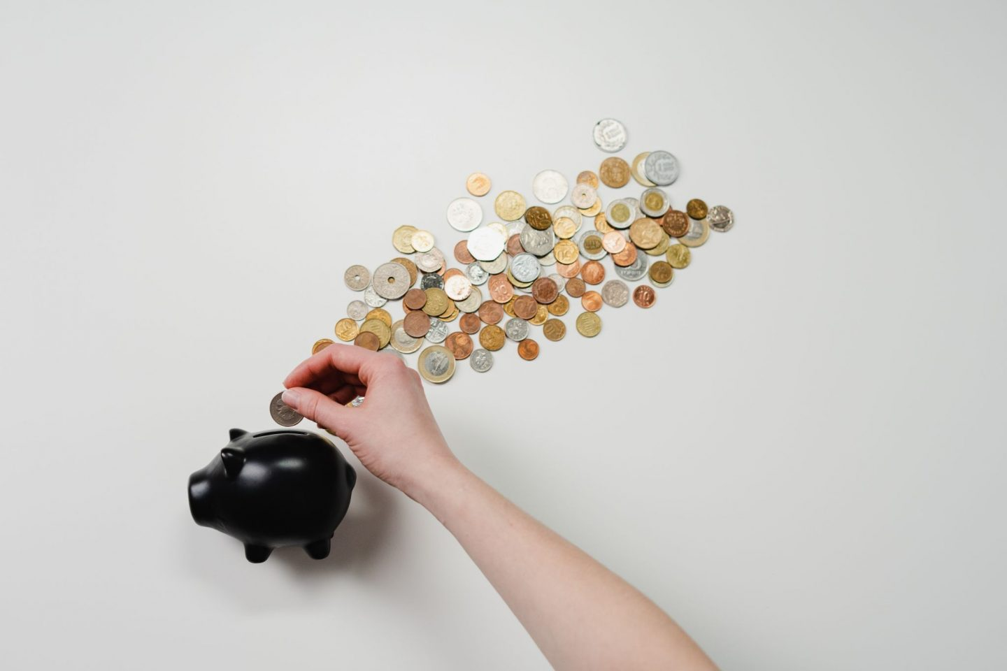 MANAGING YOUR FINANCES WHILE YOU'RE OUT OF WORK