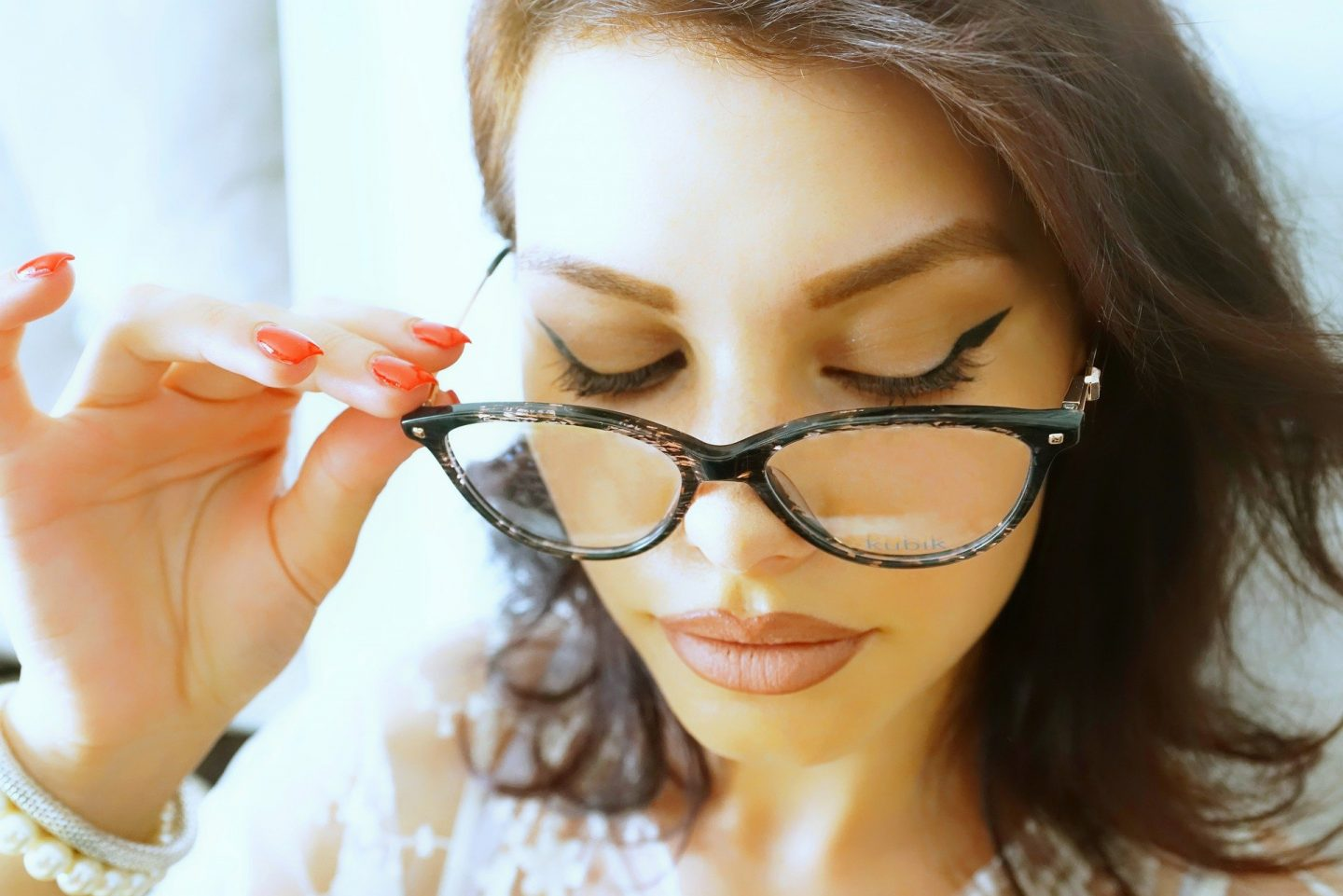 HOW TO CHOOSE THE RIGHT GLASSES FOR YOUR FACE SHAPE