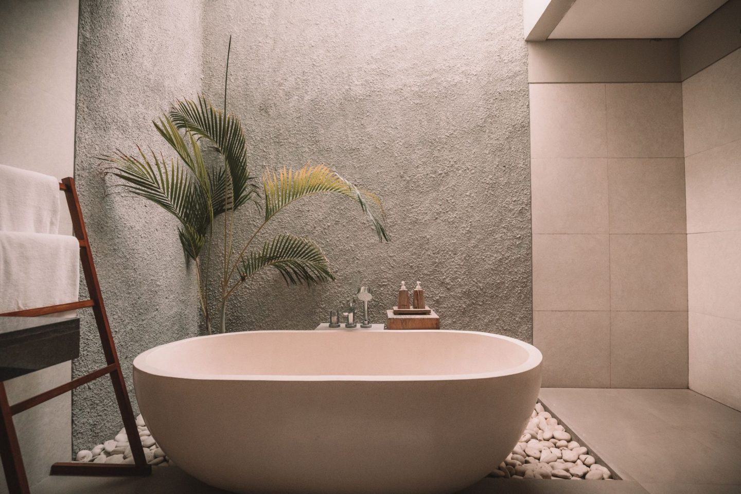 5 THINGS THAT COMPLETE YOUR HOME SPA EXPERIENCE