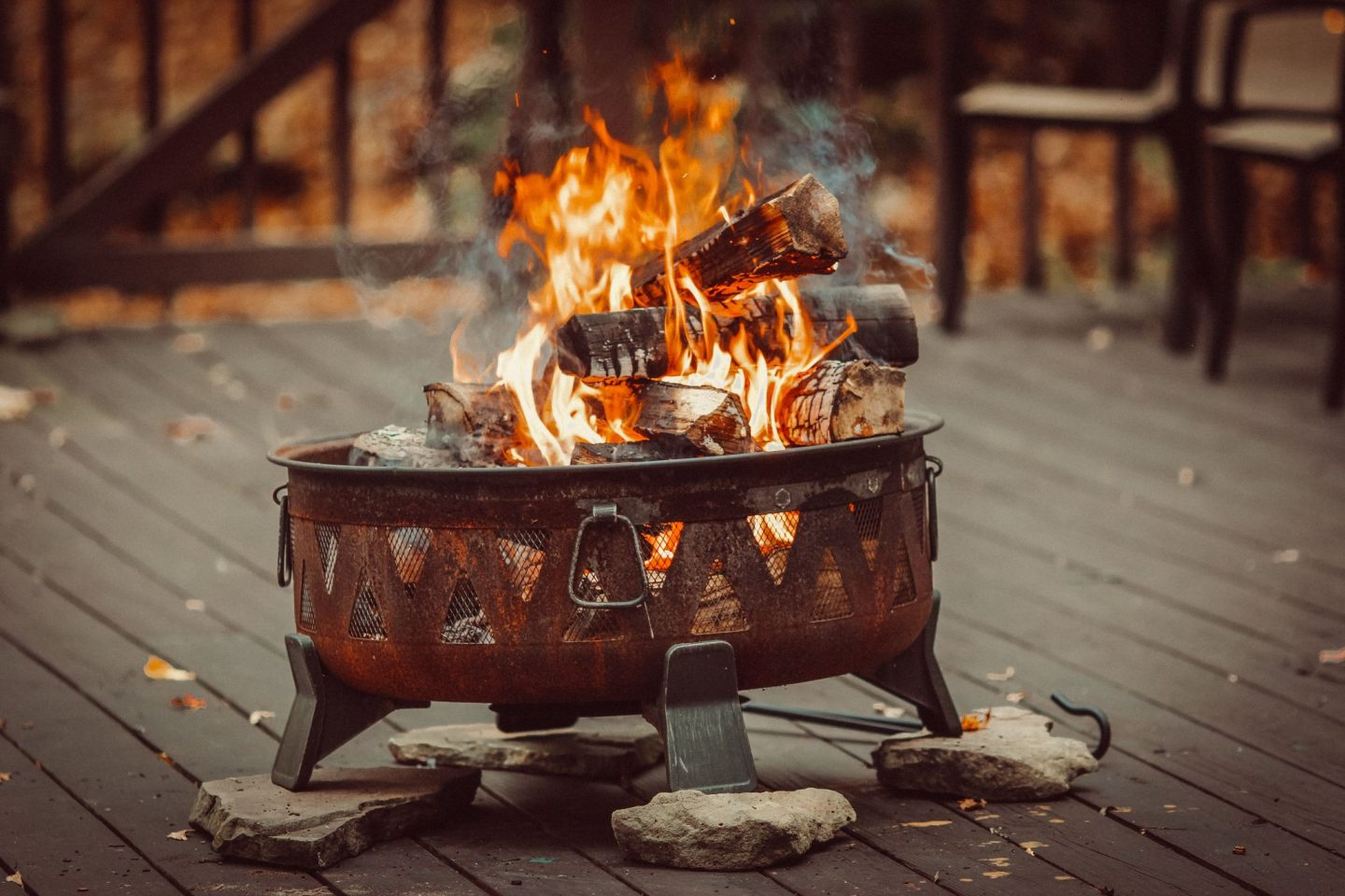 THINGS TO CONSIDER WHEN BUILDING FIRE PITS FOR WOOD DECKS