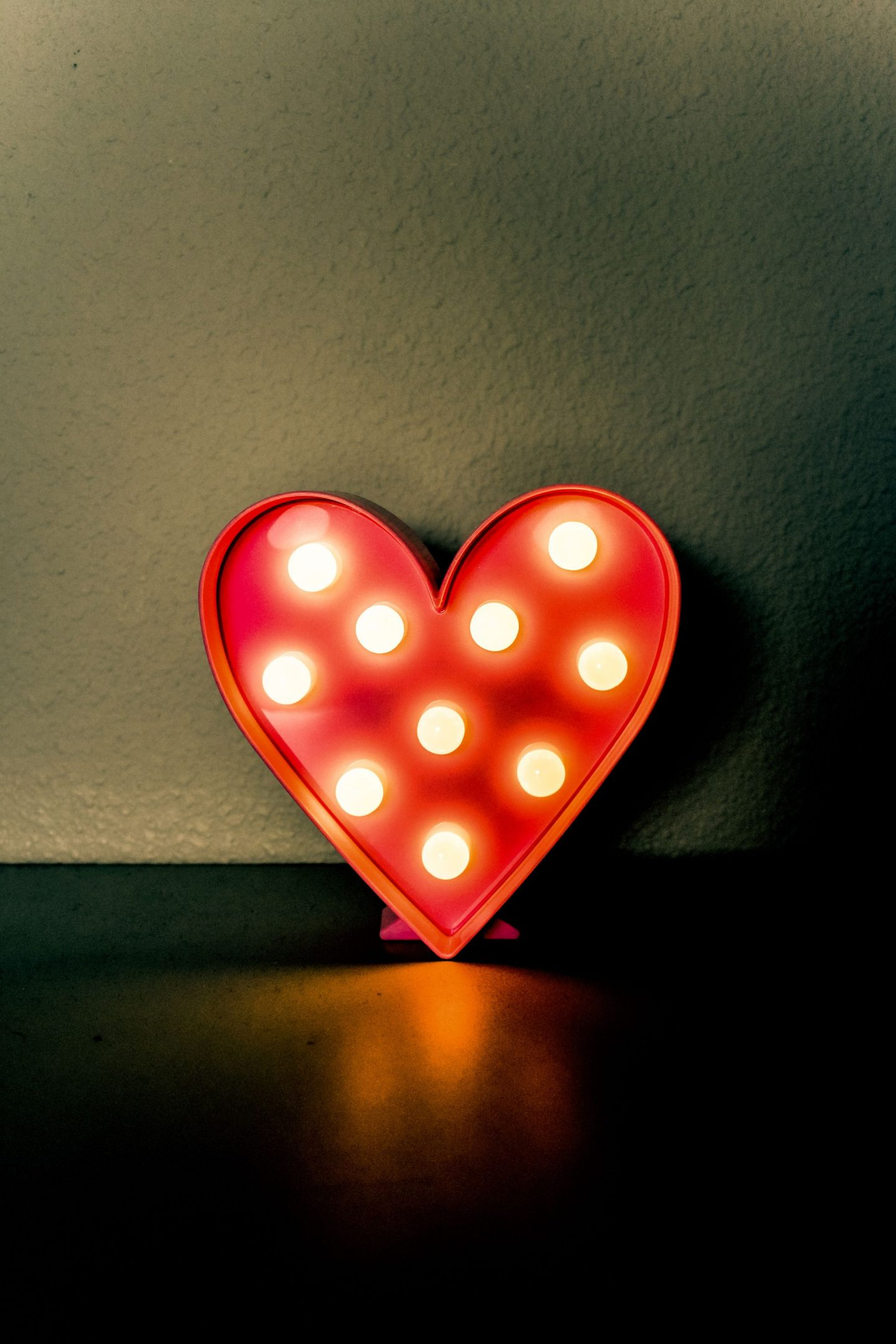 IDEAS TO CELEBRATE VALENTINE'S DAY AT HOME