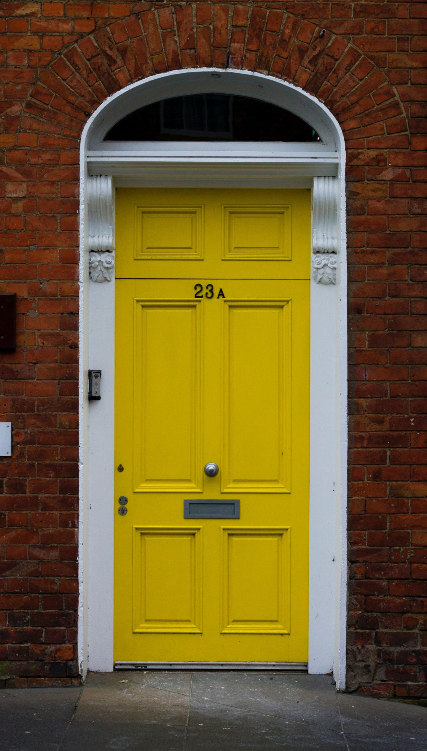 FINISHED VERSUS UNFINISHED DOORS: THE PROS AND CONS