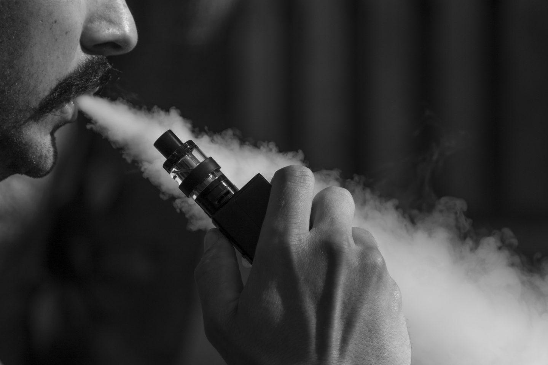 9 REASONS TO CHOOSE VAPING OVER SMOKING