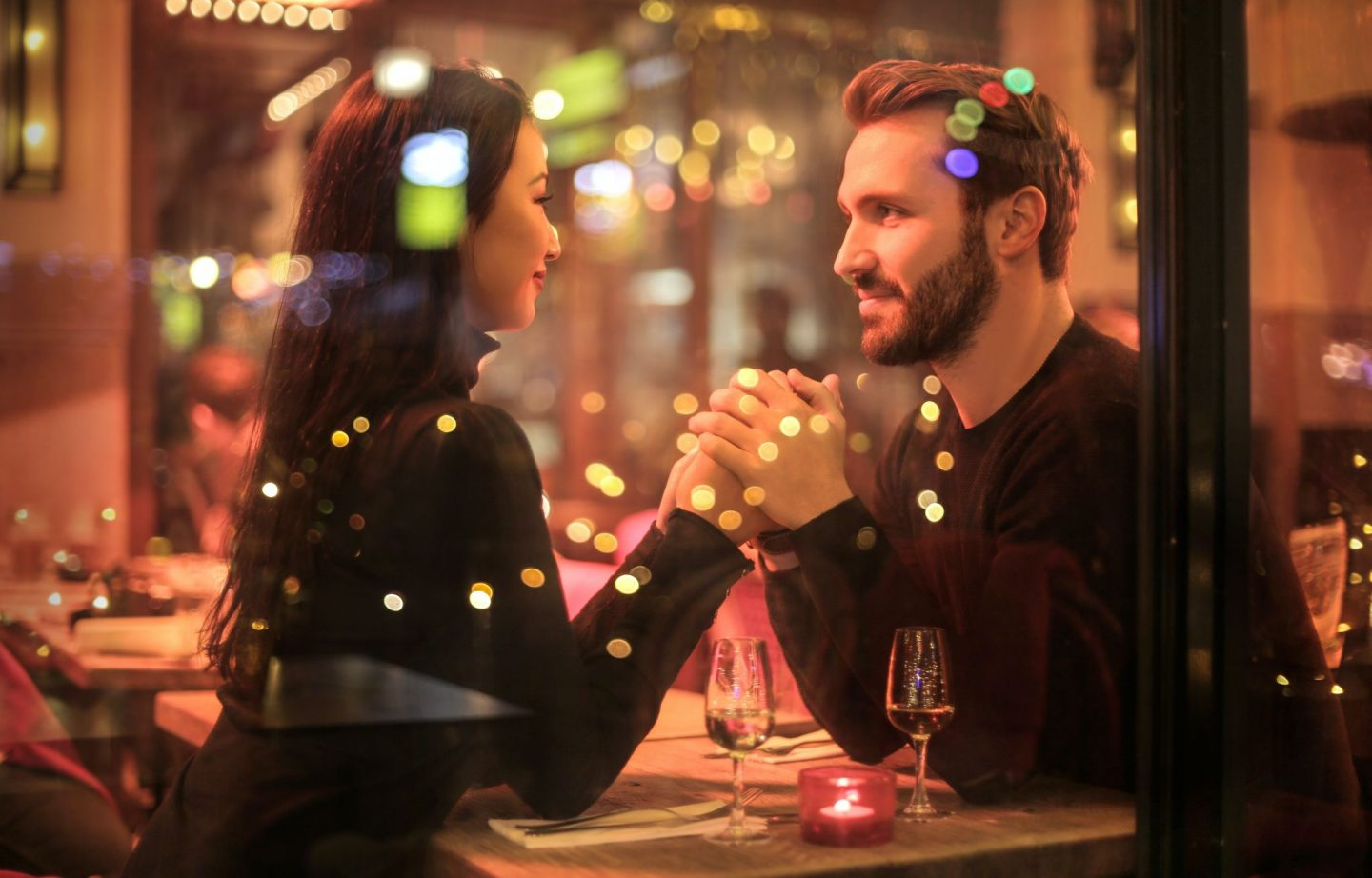THE DO'S AND DON'TS OF DATING WHILE ABROAD
