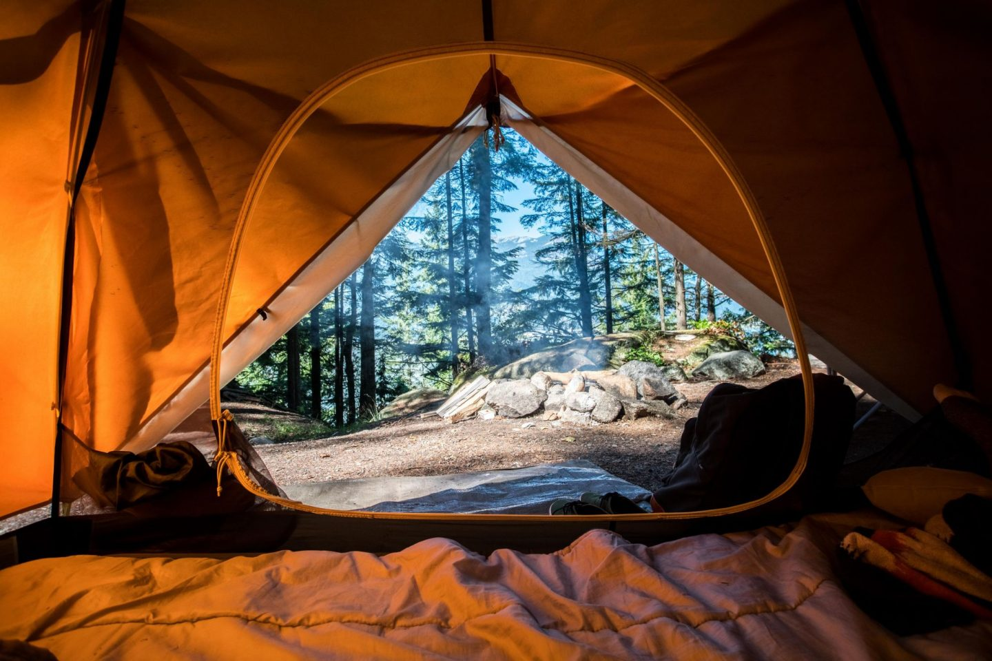 CAMPING FOR BEGINNERS: ESSENTIAL TIPS