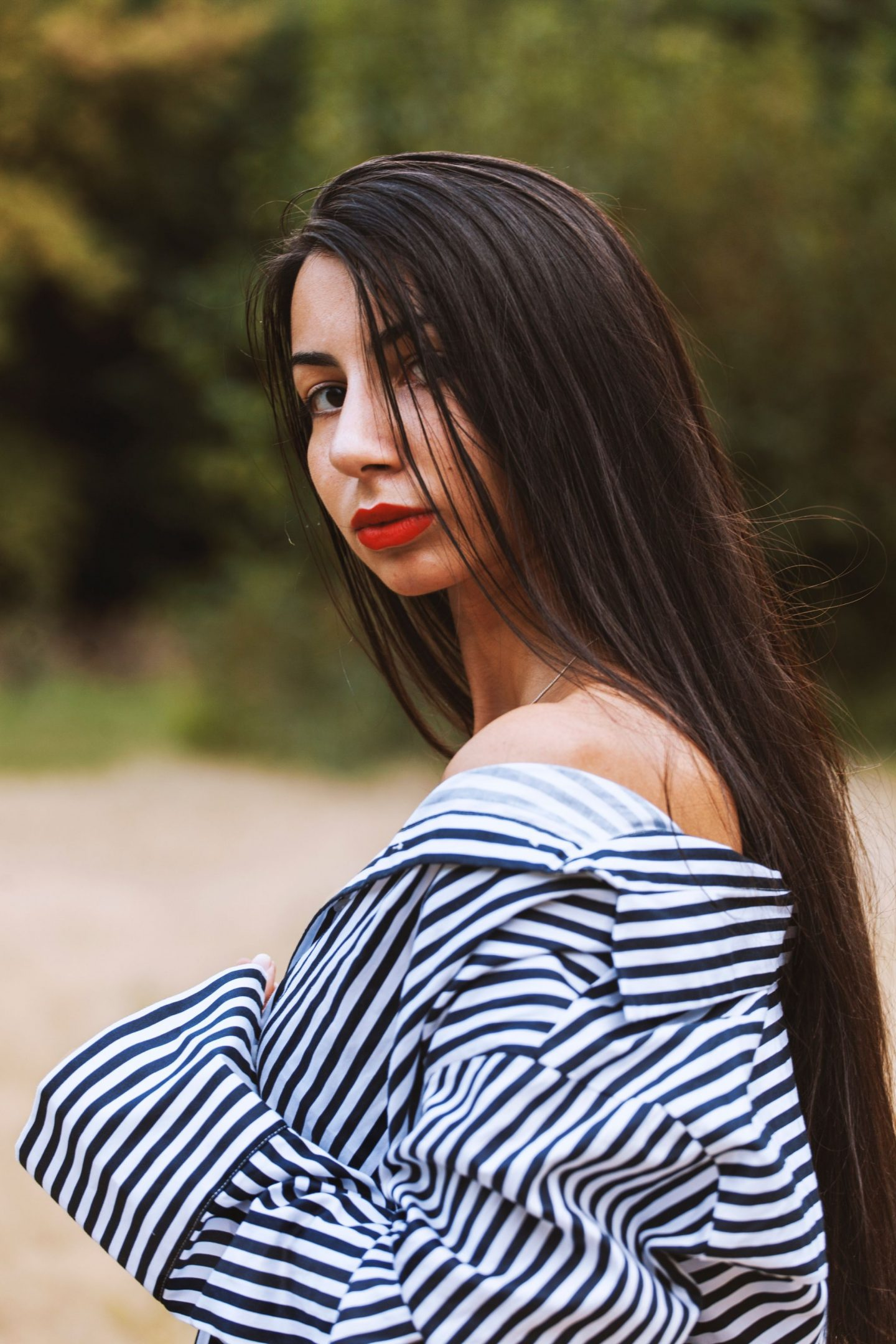 10 BEAUTIFUL HAIRSTYLES FOR STRAIGHT HAIR