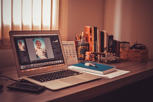 5 TIPS TO GET YOUR WORK-FROM-HOME SITUATION SORTED