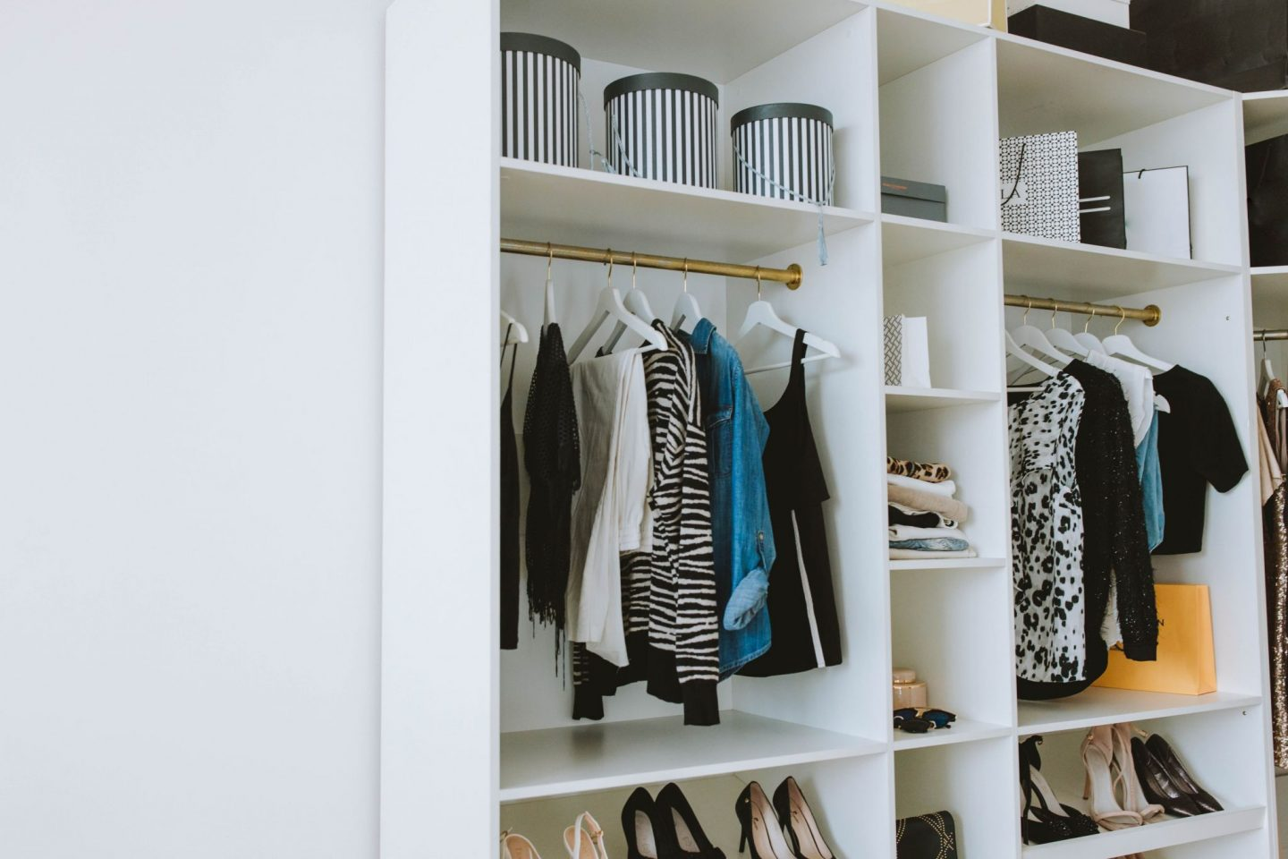 TIPS TO IMPROVE YOUR CLOSET AND WARDROBE