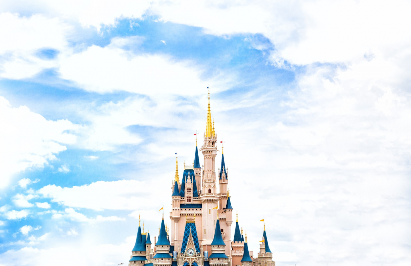 EXPERIENCE THE MAGIC: PLANNING A TRIP TO DISNEY IN 7 EASY STEPS