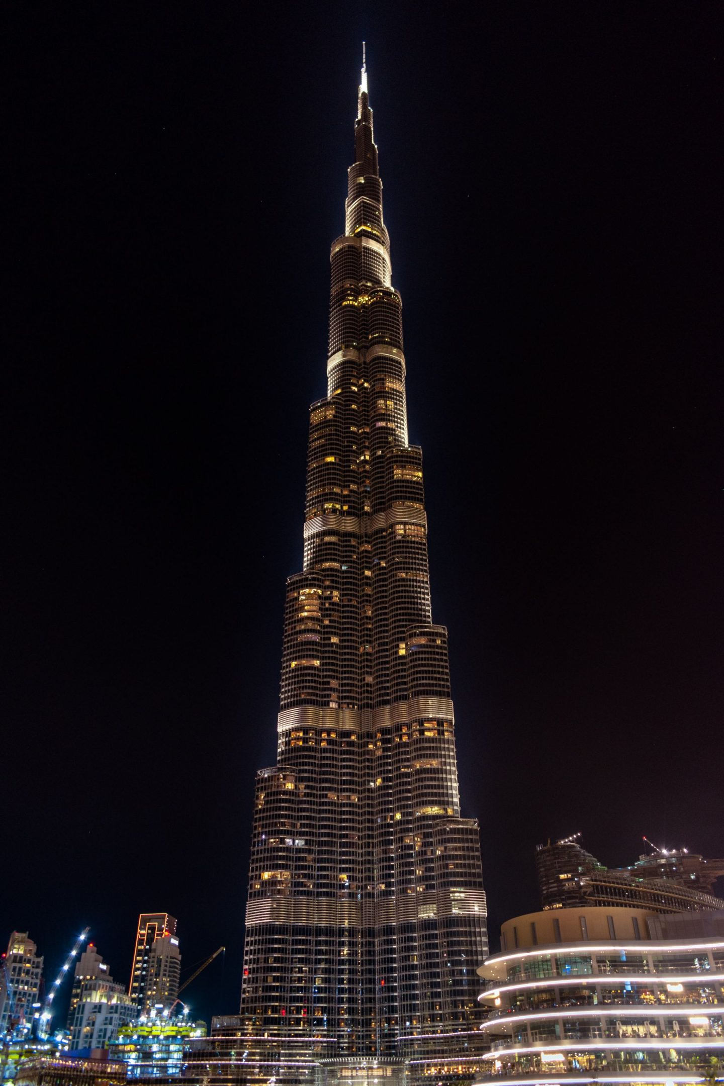 5 ESSENTIALS OF CHOOSING THE RIGHT CONSULTANTS IN UAE