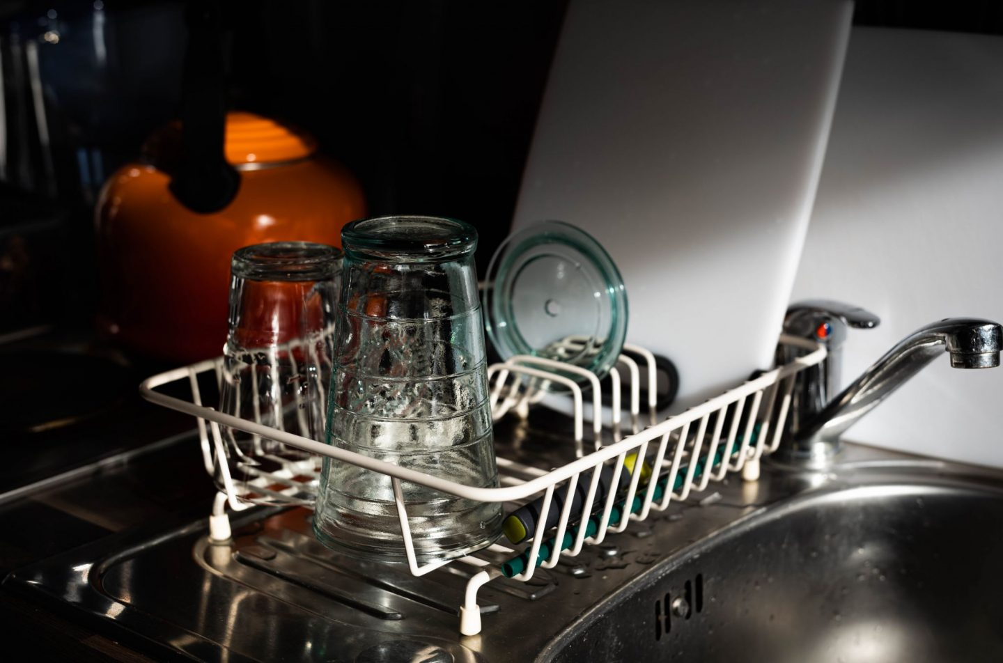 ESSENTIAL THINGS TO CONSIDER WHEN BUYING A DISHWASHER