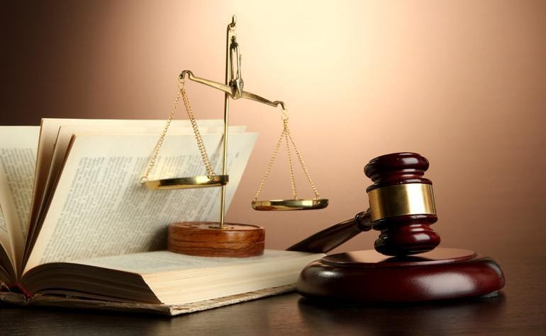THE ART OF TRANSLATING LEGAL DOCUMENTS