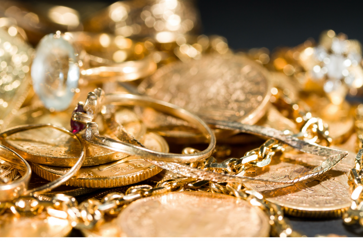 HOW TO PROPERLY CARE FOR GOLD JEWELRY