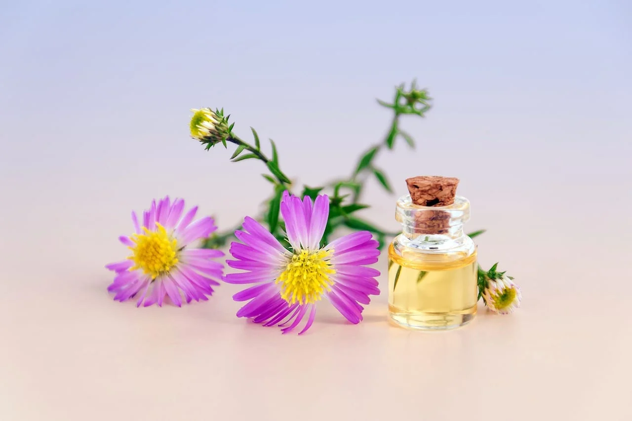 REASONS TO USE ESSENTIAL OILS FOR BETTER SLEEP
