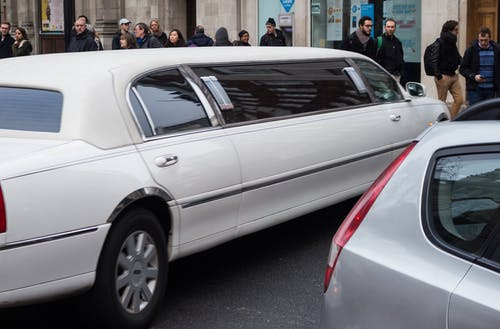 5 SPECIAL OCCASIONS YOU CAN HIRE A LIMOUSINE