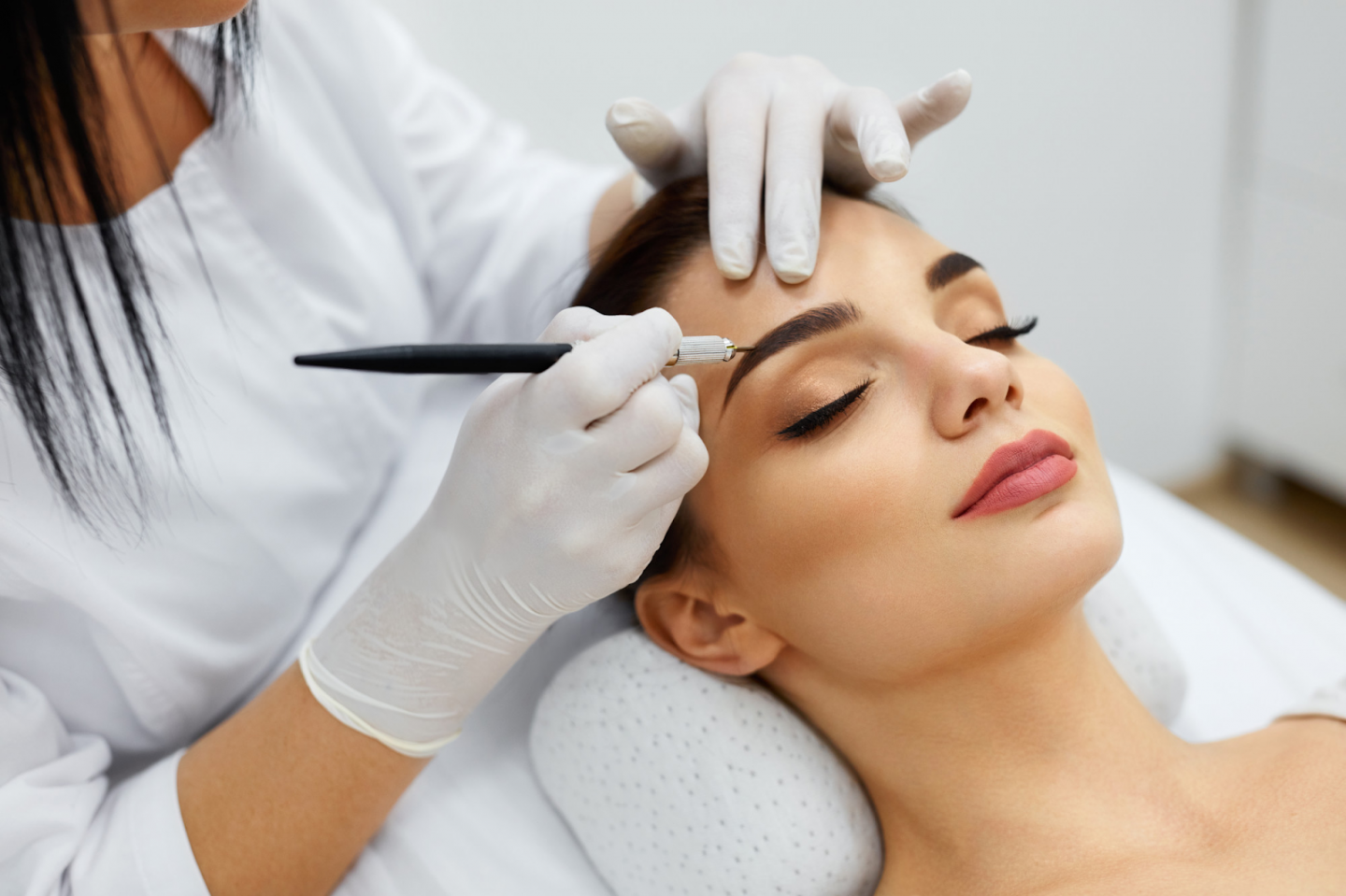 The Complete Guide to Eyebrow Threading