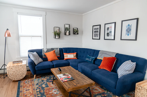 Make Your Livingroom More Cozy And Comfortable With These Useful Tips