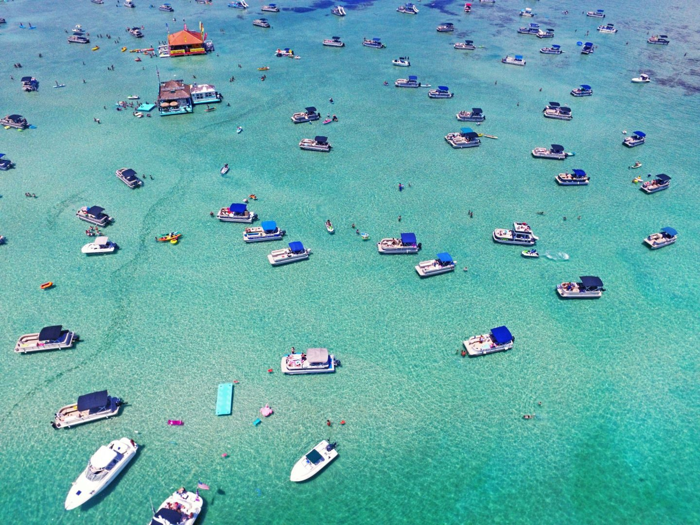KEY THINGS TO KNOW ABOUT CRAB ISLAND IN DESTIN