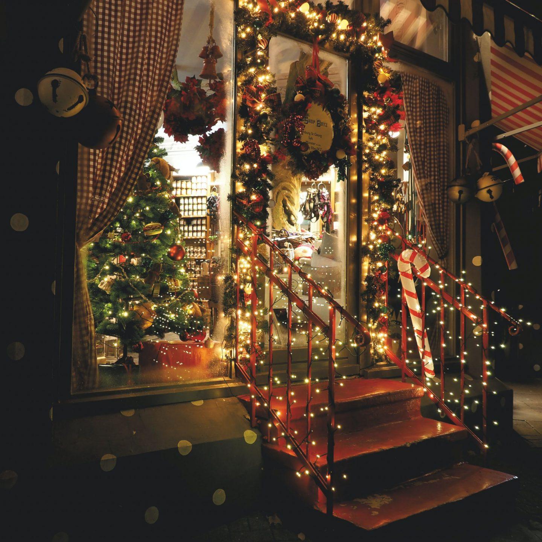 The Joy of Holiday Lighting